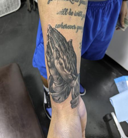 Tattoos - Small praying hands - 142608