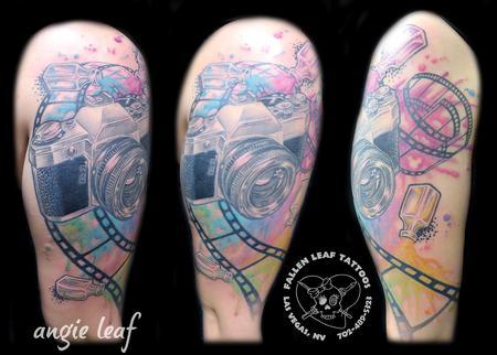 Angela Leaf - Classic camera watercolor tattoo