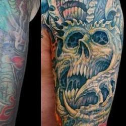 Tattoos - Robert, upper arm closeup - 71548