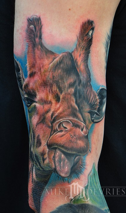 Mike DeVries - Giraffe Tattoo