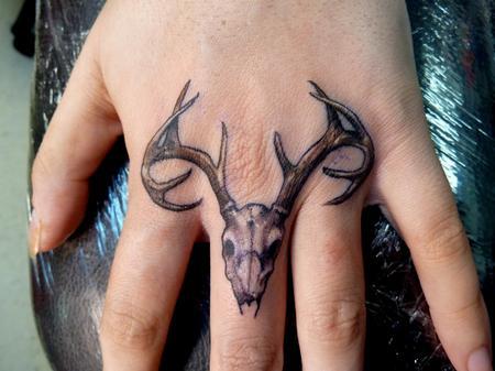 Tattoos - Deer Skull on Knuckles - 72753