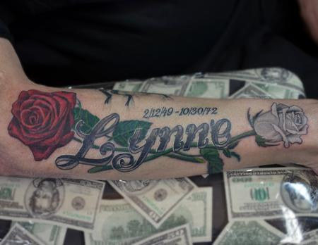 Tattoos - Realistic Roses with name - 104032