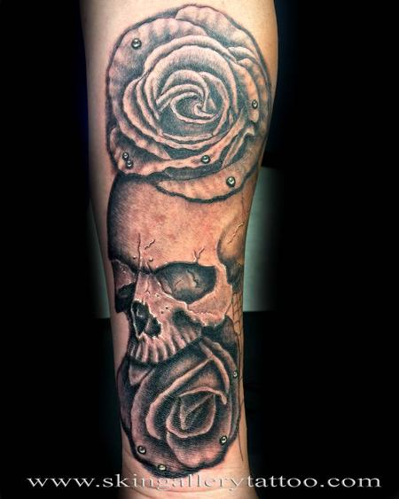 Tattoos - Black and Gray Skull and Roses - 117423
