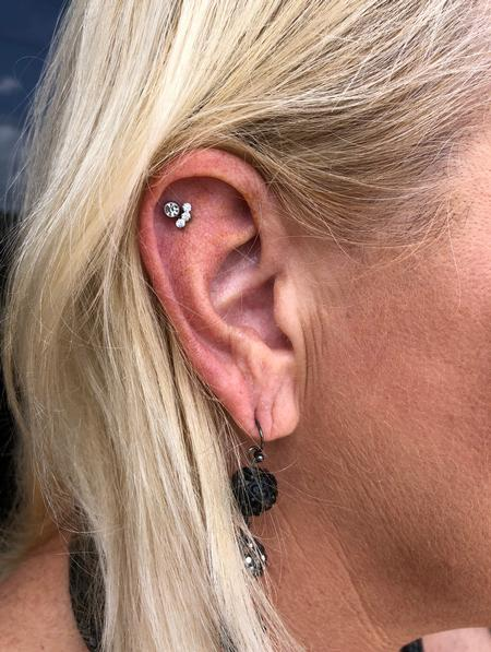 Tattoos - Upper flat piercing - 142308