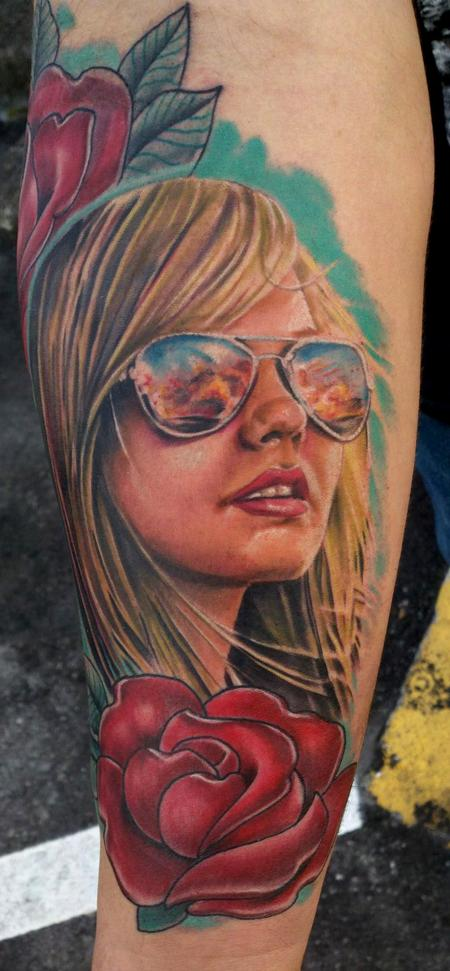 Tattoos - Girl with Aviators - 81144