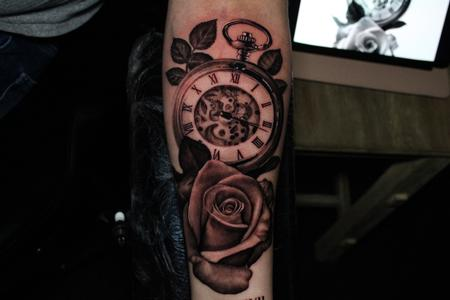 Yoni - Clock rose